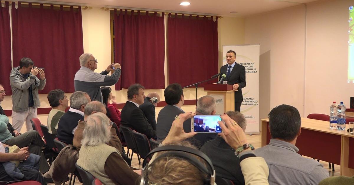Szakmai konferenciát tartottak Magyarkanizsán a második világháborúról és annak áldozatairól