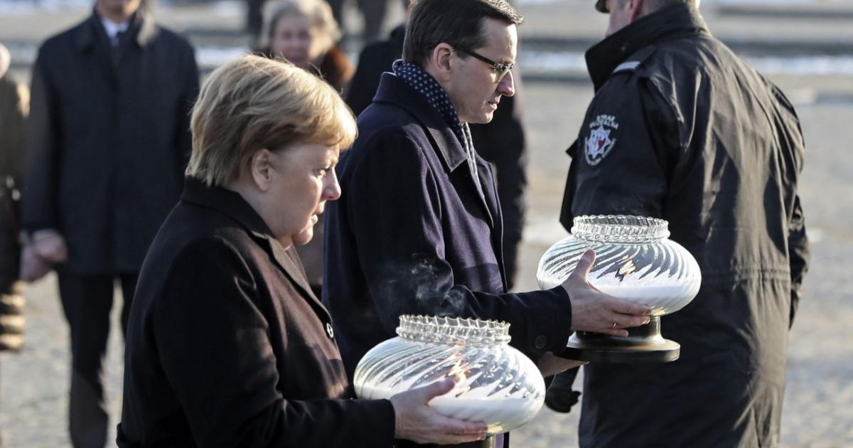 Merkel Auschwitzban mély szégyenérzetről beszélt a németek által elkövetett bűntettek miatt
