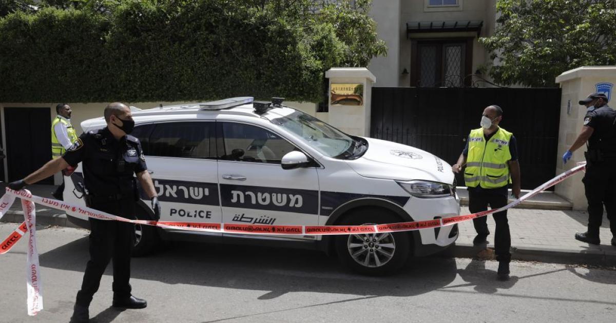 Holtan találták Kína izraeli nagykövetét Tel Aviv-i lakásában