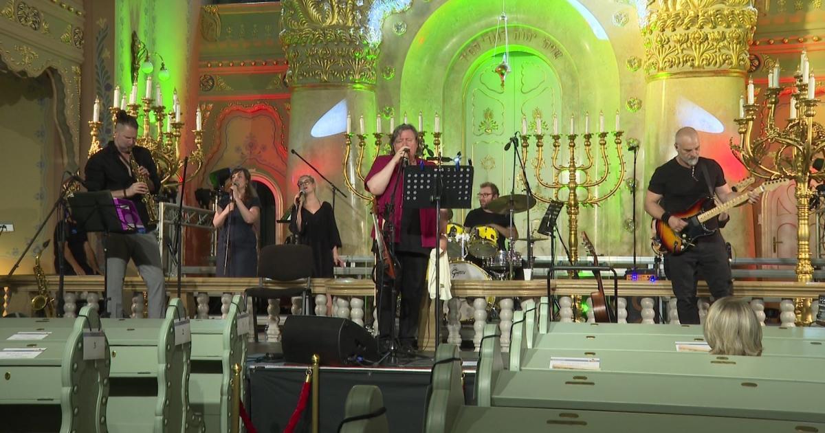 Kézfogás koncert a szabadkai zsinagógában