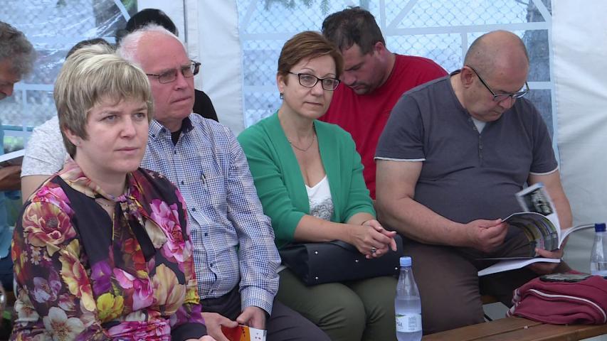 Jerasz Anikó, Hajnal Jenő és Pászot István a panelbeszélgetésen